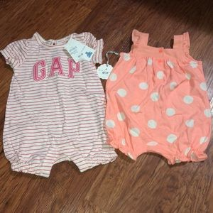 Two baby Gap outfits